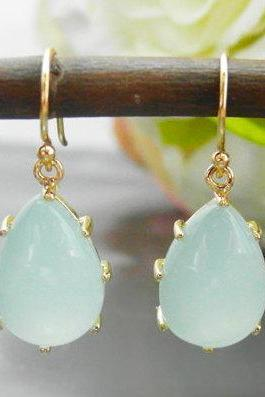 Green aquamarine drop earring - dainty bridal or everyday jewelry